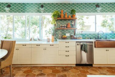 2018 Q3 Image Residential Influencer Full Rights Justina Faith Blakeney Parents Condo Kitchen Backsplash Tile Paseo Sea Foam Full 5