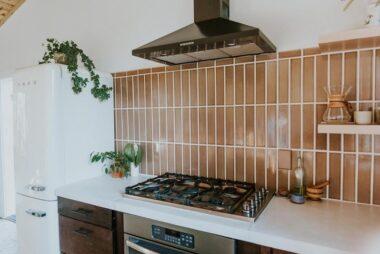 2018 Residential Hi Res Rights Kitchen Backsplash Vertical Straight Stack Nutmeg 3X12 2X6 Bullnose Trim Fc237266 5