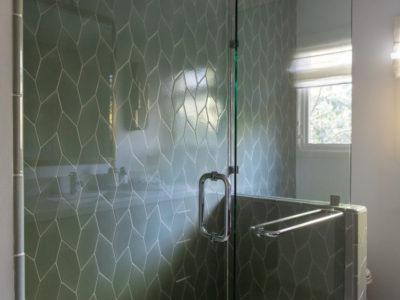 Leafy Rosemary Picket Shower Tile