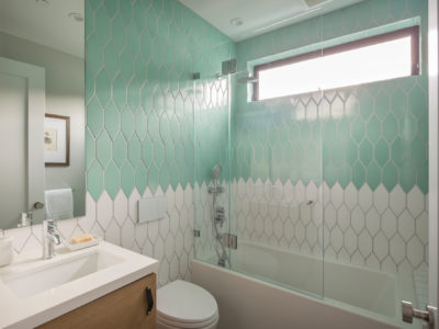 Noz Design: Two-Toned Kids' Bathroom Tiles
