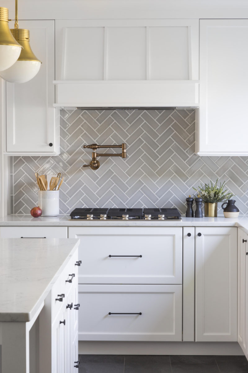 - Effortlessly Elegant Herringbone Backsplash Fireclay Tile