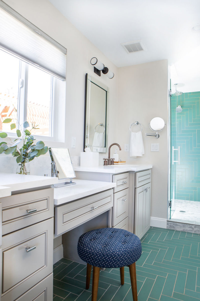 Tidewater Master Bath Fireclay Tile
