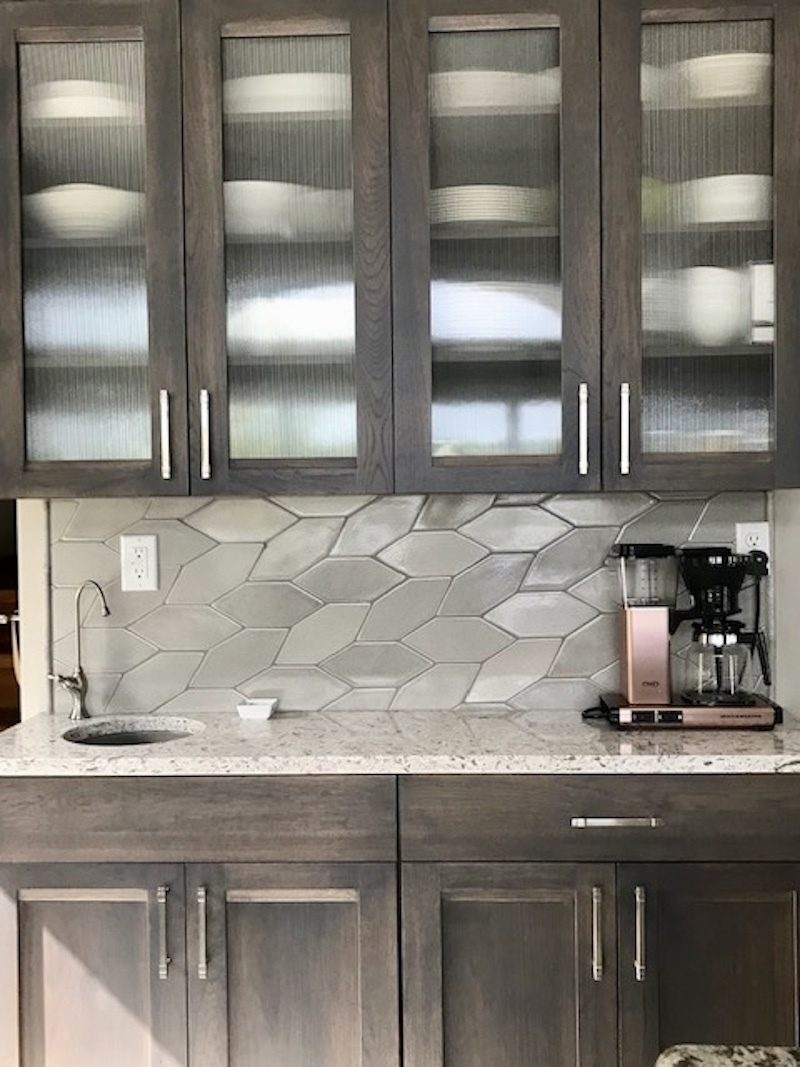 Ultra Cream Patine Picket Backsplash Fireclay Tile