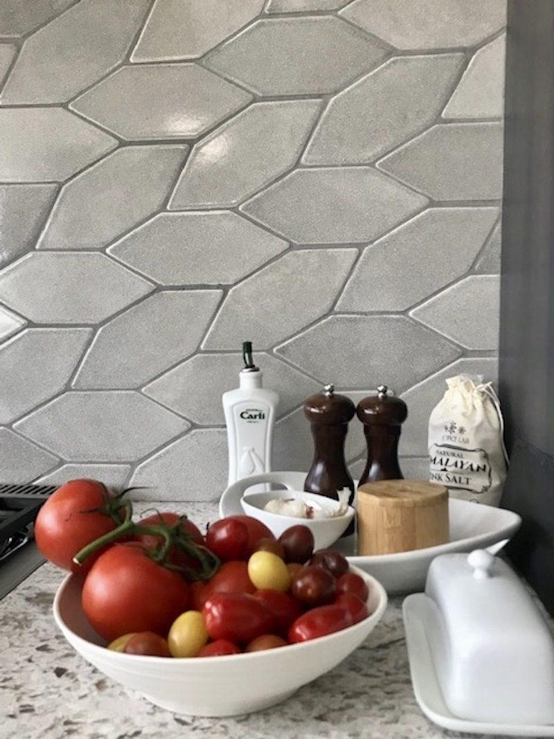 Ultra Cream Patine Picket Backsplash Fireclay Tile