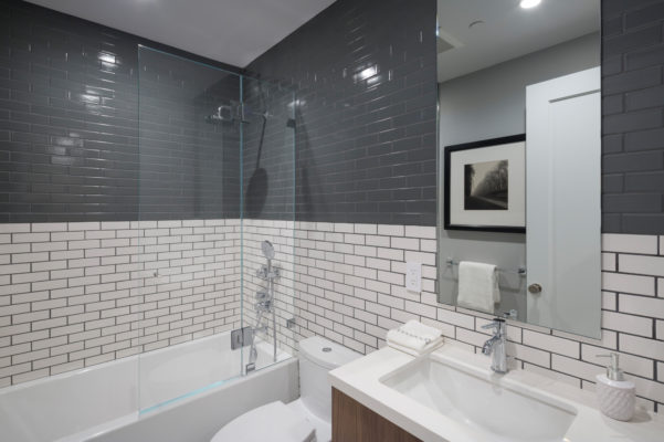 Noz Design: Grey and White Subway Tile Bathroom