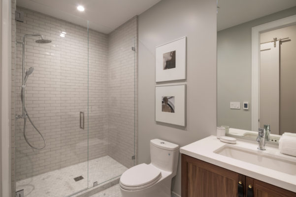 Noz Design: Light Grey Shower Tile