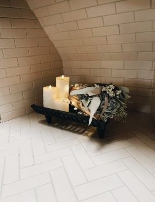 Lazy Haven's Enchanting Fireplace in Tumbleweed