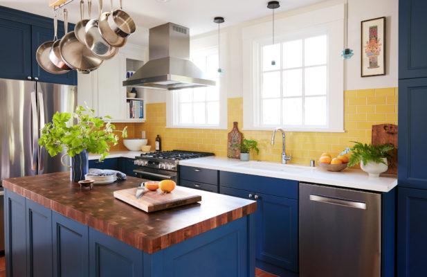 Sunny Subway Tiles Kitchen