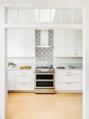 Mokume Design Studio: Handpainted Tiles Kitchen
