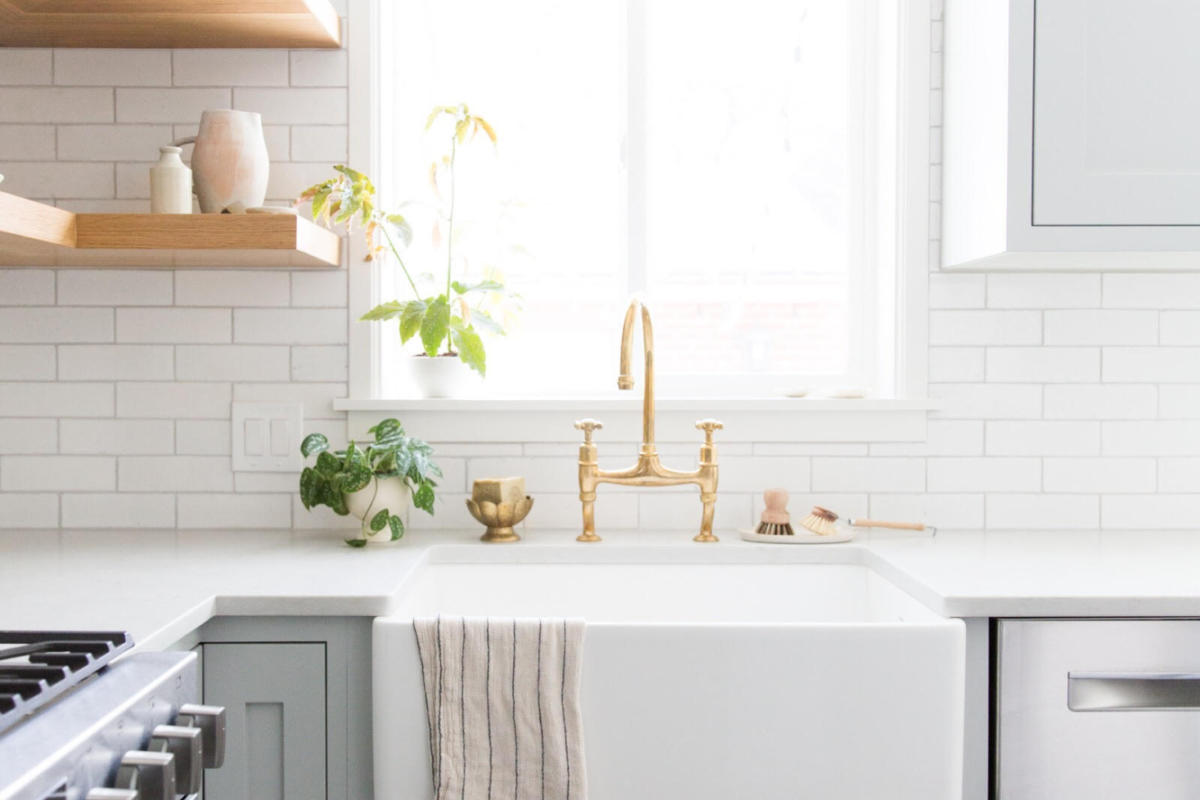 - Tinge Floral: Olympic Brick Kitchen Backsplash Fireclay Tile