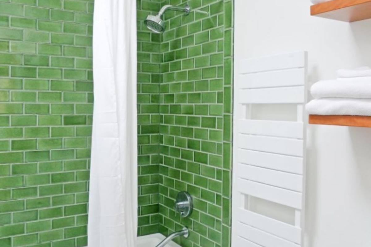 Ceramic Tile Vs Gl Shower Fireclay