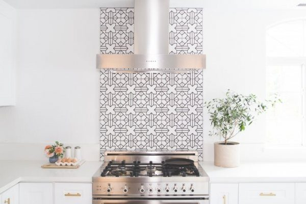 3 White Kitchen Tile Trends