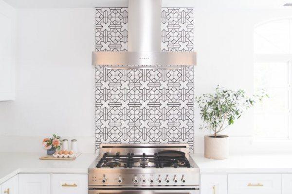 3 White Kitchen Tile Trends