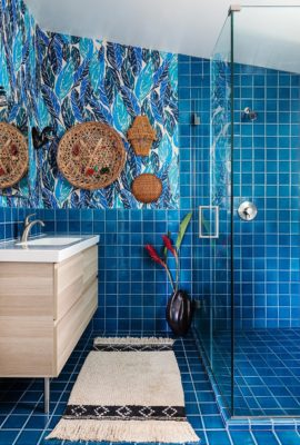 Yumi Interiors: Tropical Blue Bathroom
