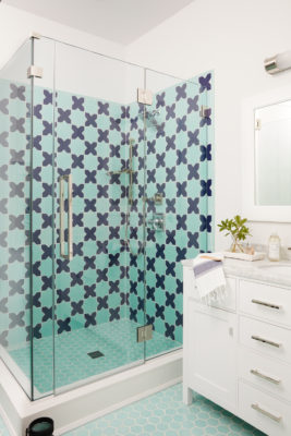 Coastal Living Mini Star & Cross Bathroom