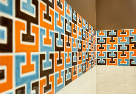 Chic & Retro Chaine Femme Bathroom