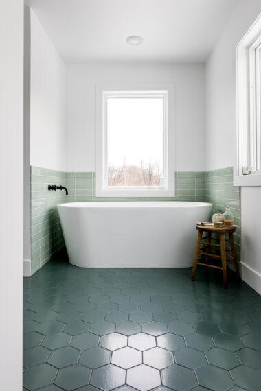 2018 Q1 Image Residential Influencer Fresh Exchange Master Bathroom Tile Floor Flagstone Hexagon 6 Wall Salton Sea 3X9 Straight Set With Tub Surround Full