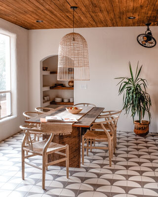 Posada Inn: Handpainted Floor Tile