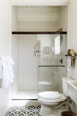 Posada Inn: Handpainted Bathroom Tiles
