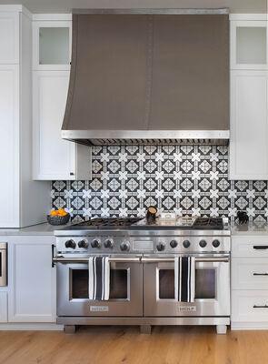 Black and White Kasbah Kitchen