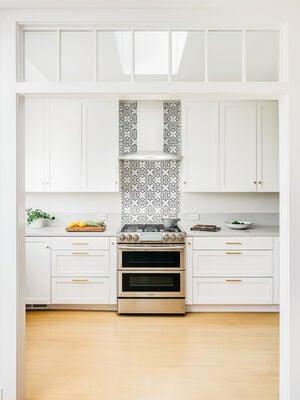 Mokume Design Studio: Handpainted Tiles Kitchen