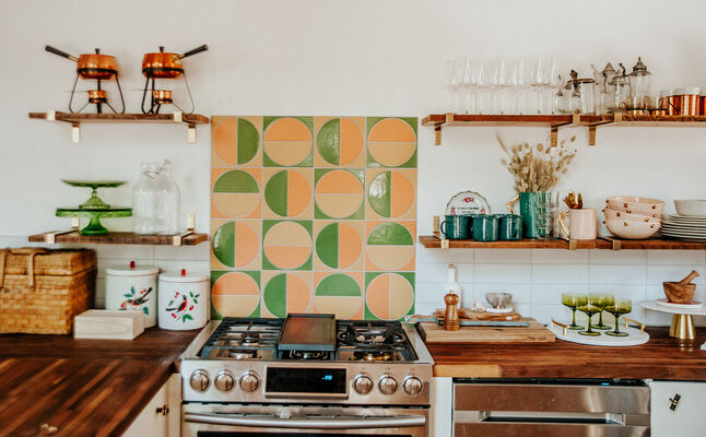 Kitchy Kitchen Cabin: Kitchen Backsplash