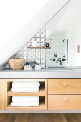 Kasbah Trellis Tile Bathroom with Mini Star and Cross