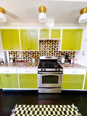 Dazey Bungalow Pivot Kitchen Counter and Backsplash