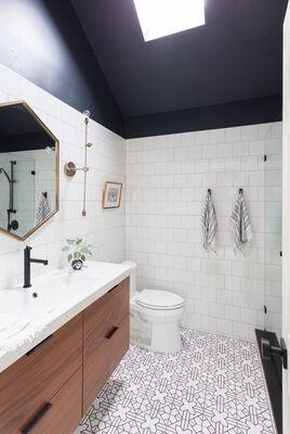 Lakeside Retreat: Kasbah Trellis bathroom floor